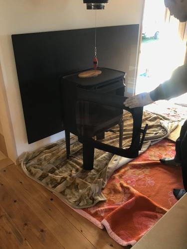ストーブ搬入、火入れ式、暖らん  「楽のう家のおうち」_a0240971_07575414.jpeg