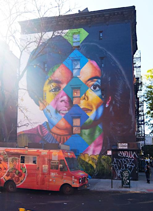 イースト・ビレッジの巨大マイケル・ジャクソン(MJ)壁画_b0007805_22144449.jpg