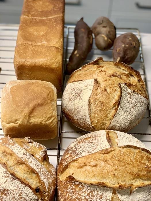 パンの発酵にも時間がかかるようになりました_e0178312_07514315.jpeg
