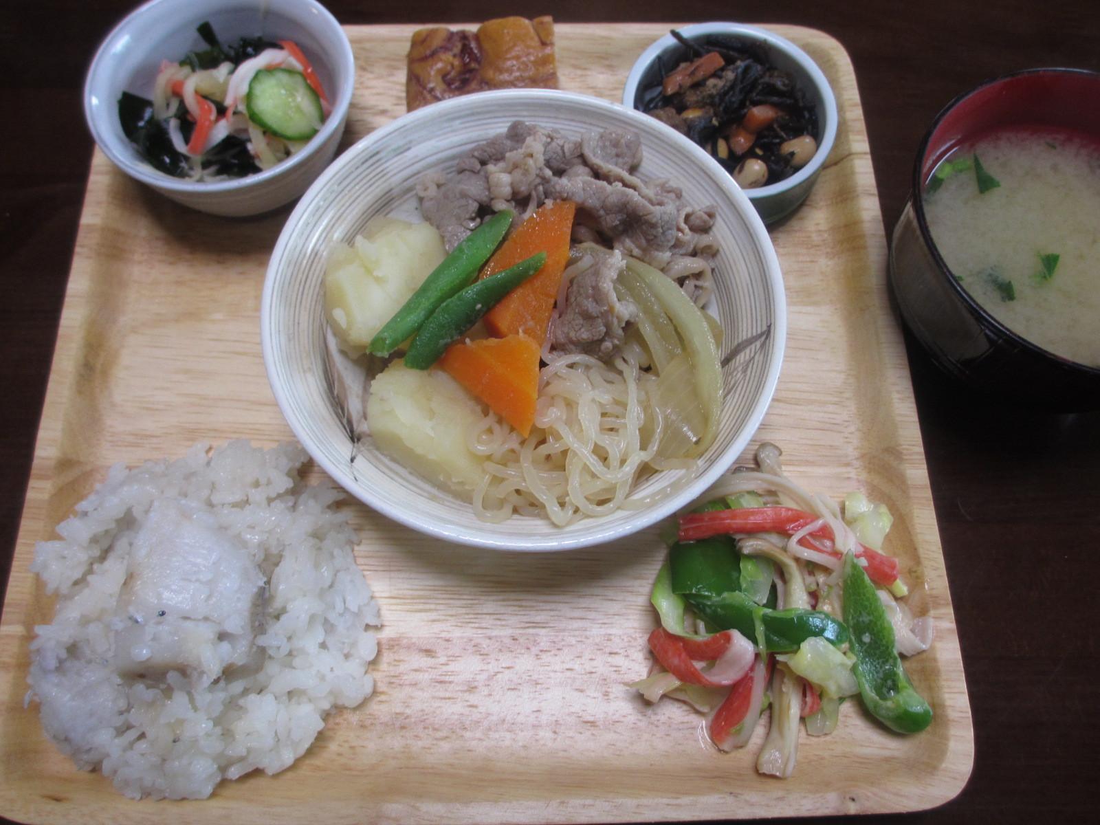 好評の里芋とじゃこご飯は金子ファームで育った里芋。ねっとり芋をお楽しみください