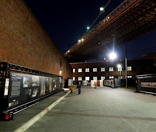 """ブルックリンのDumbo地区で野外写真展、""""Photoville""""(本日最終日)_b0007805_05195246.jpg"""