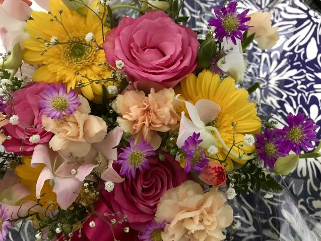 花束から ひとひらの花びらまで  _e0407734_15441360.jpeg