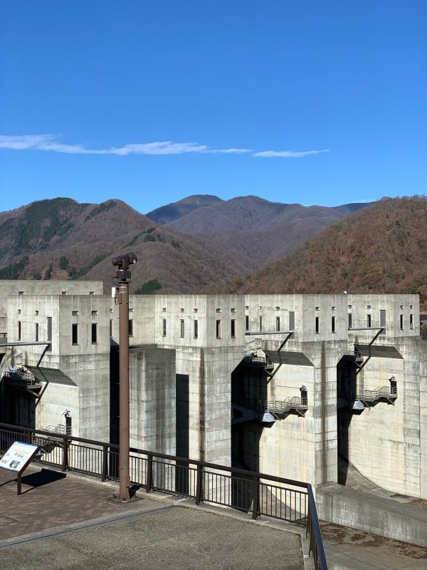 徳山ダム_a0056137_16280572.jpg