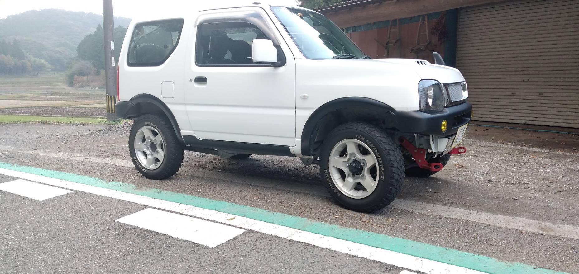 ジムニー JB23  タイヤ 純正サイズ (175/80-R16)から 変えました!_a0330739_09032081.jpg