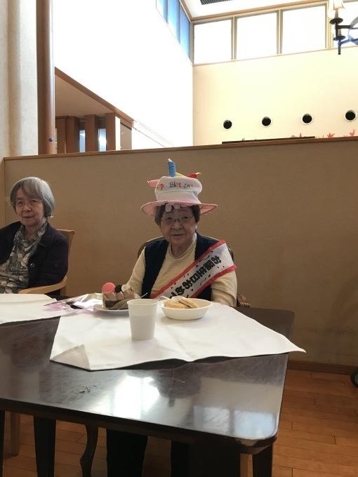100歳の誕生日会!_e0163042_17072602.jpg