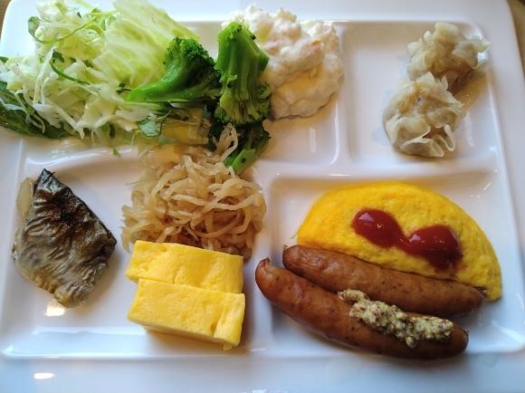 11/22 朝食バイキング@ルートインホテル新富士南 & 富士製パン ようかんパン_b0042308_23370142.jpg