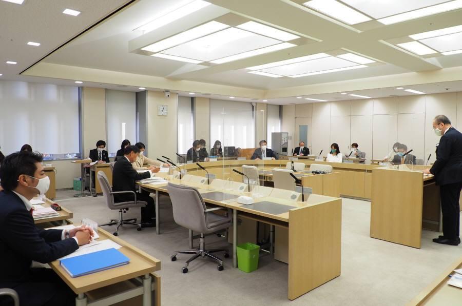 環境・建設委員会_f0059673_23004118.jpg
