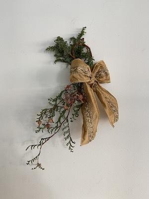 Un Jour wreath & swag_b0241386_10460821.jpg