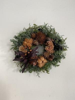 Un Jour wreath & swag_b0241386_10461270.jpg