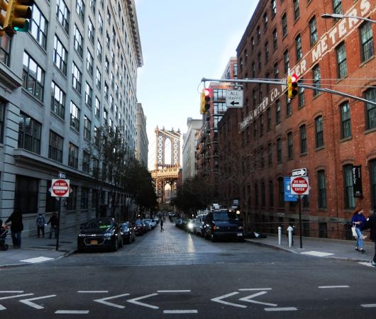 ブルックリン、DUMBOのお勧め写真スポットへ近づいていく動画_b0007805_02124747.jpg