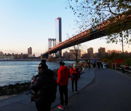 ブルックリン・ブリッジ・パークから眺める日没のマンハッタン_b0007805_02233380.jpg