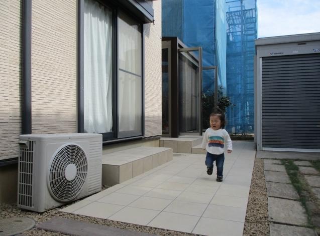 リ・ガーデン!テラス囲いでステキな家族団らん。太田市にステキに完成!_e0361918_15521724.jpg