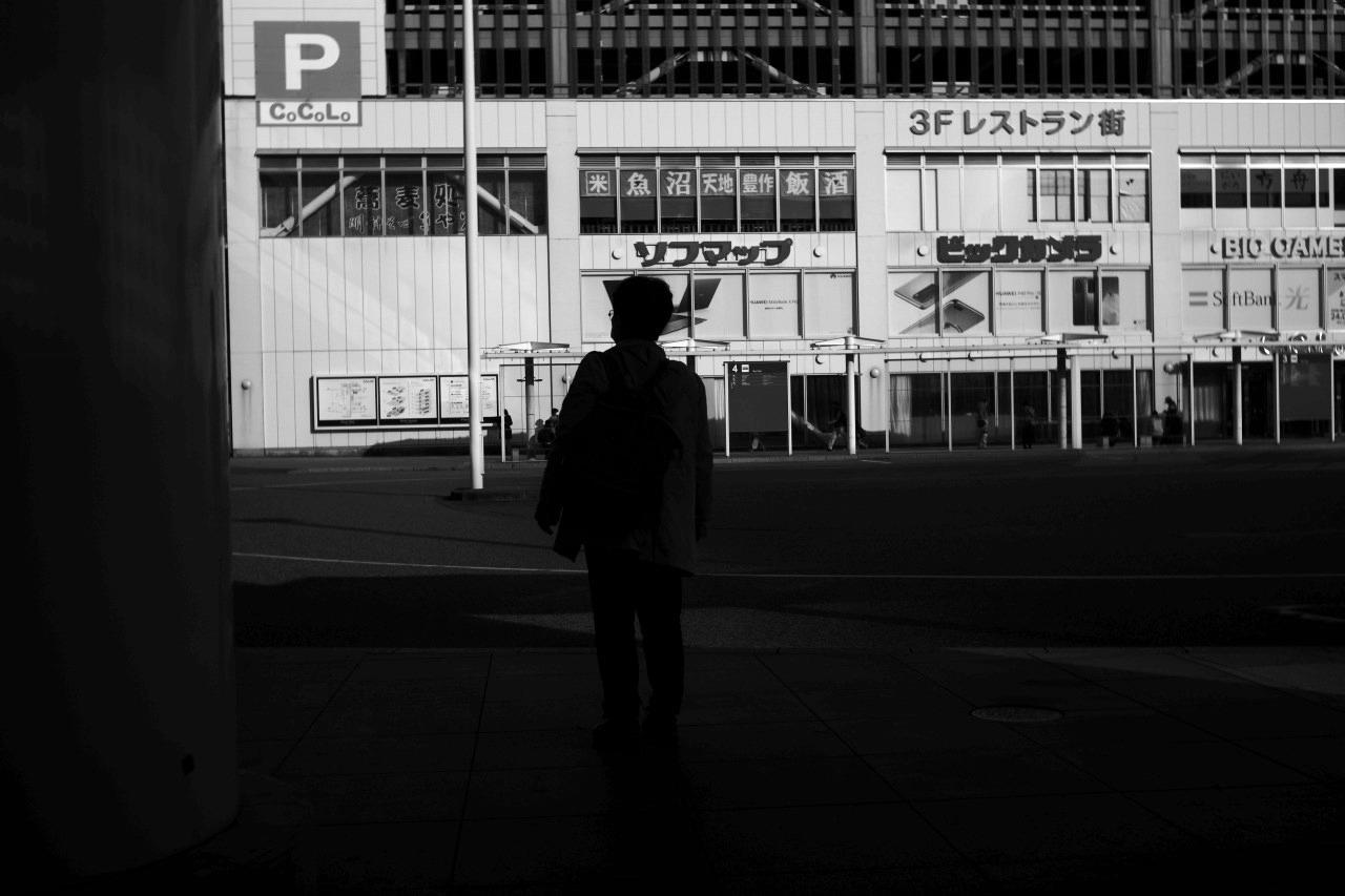 駅南の光と影 #01 20201122_c0082800_22273198.jpg