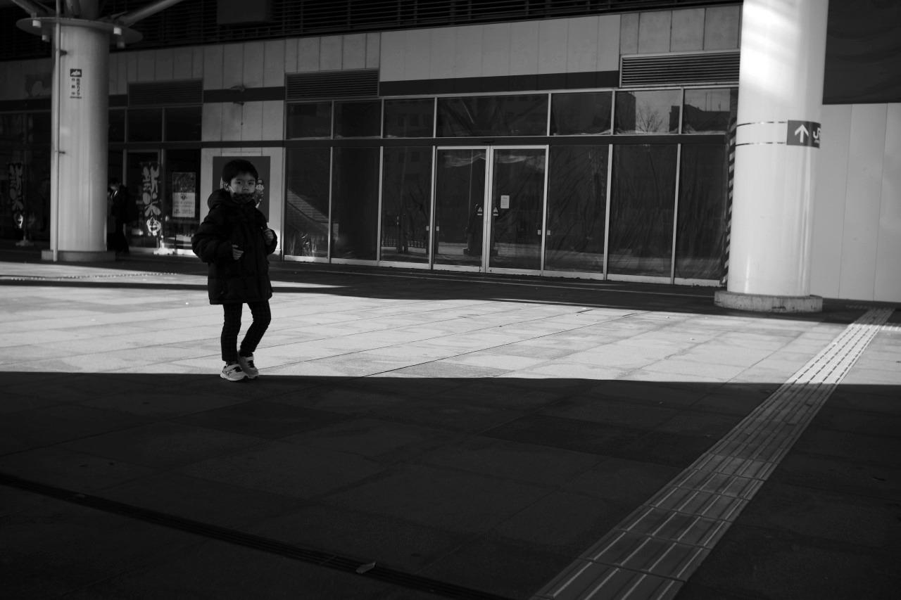 駅南の光と影 #01 20201122_c0082800_22273239.jpg