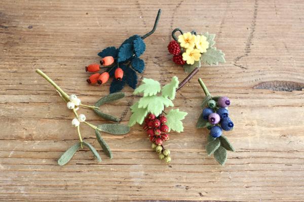 木の実たち「いちばんちいさなフェルトの花アクセサリー」_e0333647_16391686.jpg
