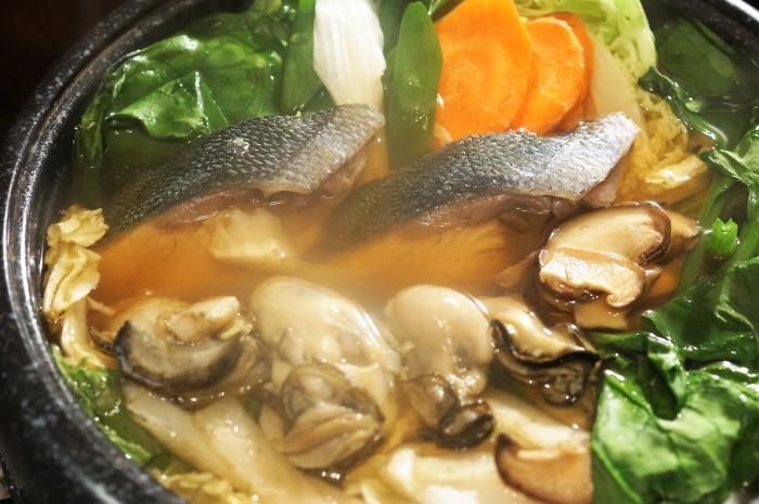 ■晩ご飯のおかず【市販+αで海鮮鍋/今夜のお月様】_b0033423_20580381.jpg