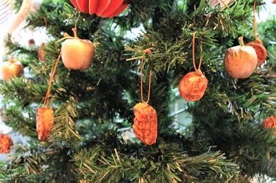 弘前の工芸品クリスマスツリーでお出迎え☆_d0131668_14151870.jpg