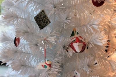 弘前の工芸品クリスマスツリーでお出迎え☆_d0131668_14193501.jpg