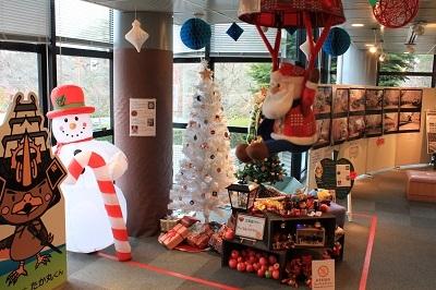 弘前の工芸品クリスマスツリーでお出迎え☆_d0131668_14434622.jpg