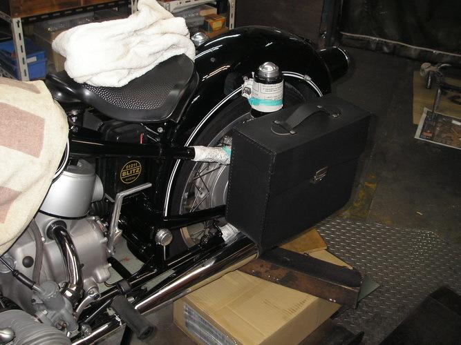 BMW  R50/2  軽整備とサイドバックの取り付け_e0218639_16191027.jpg