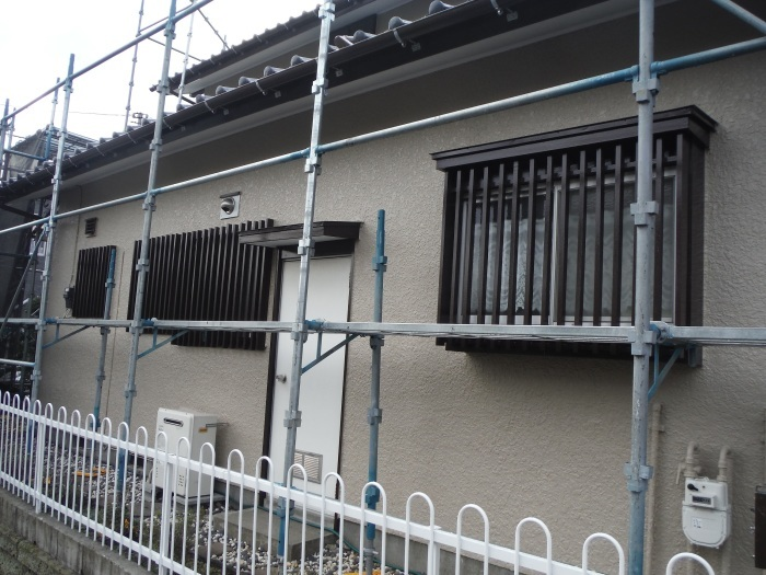 屋根、外壁塗り替えとメンテナンス ~ 細かい箇所の仕上げ。 _d0165368_03295634.jpg