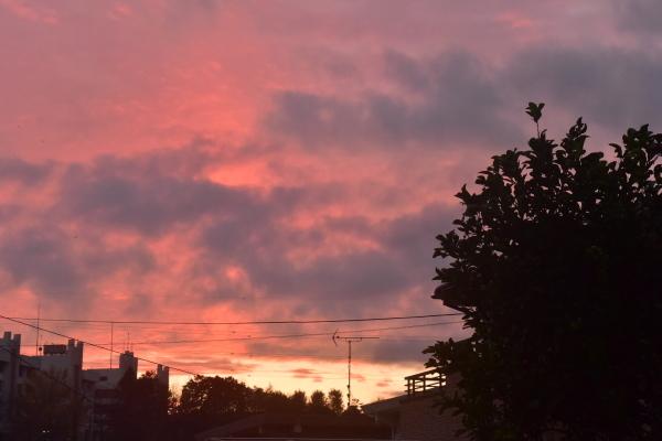 空一杯の厚い雲_e0119218_07255847.jpg