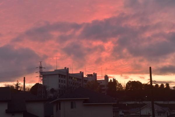 空一杯の厚い雲_e0119218_07263964.jpg