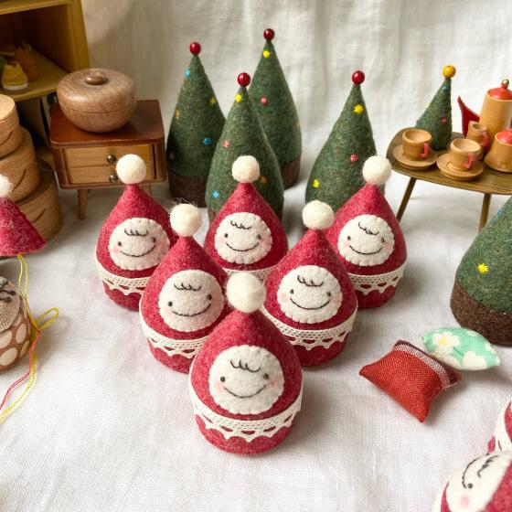 おちびサンタとクリスマスツリー。_a0340921_06214439.jpeg