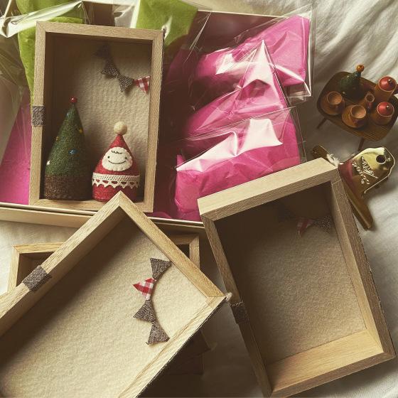 おちびサンタとクリスマスツリー。_a0340921_06263071.jpeg