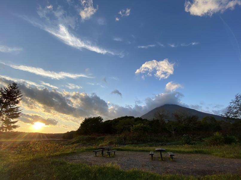 """2020年10月 『秋の羊蹄山、女心と秋の空』 October 2020 \""""Mt Yotei in the Autumn\""""_c0219616_12125481.jpg"""