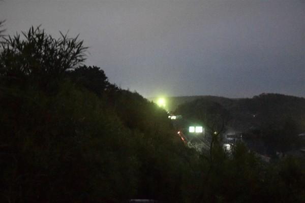 小雨降る朝_e0119218_08232386.jpg