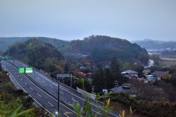 小雨降る朝_e0119218_08250444.jpg
