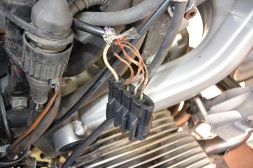 BMW R1100RS君 エンジン停止_a0330739_15442517.jpg