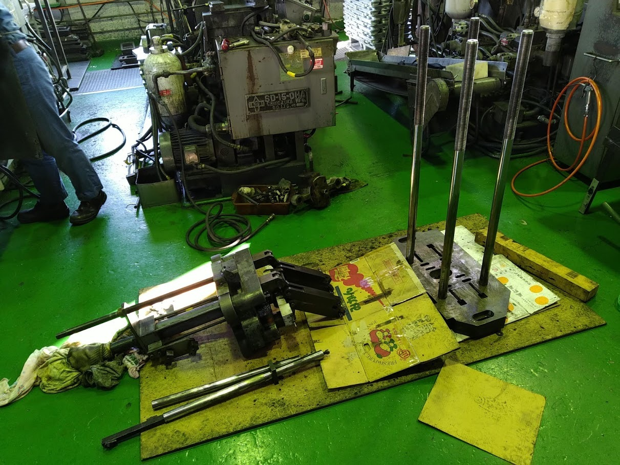 鋳造機の修理とメンテナンス_e0045139_11532744.jpg