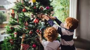 クリスマスツリー(L'albero di Natale)の飾りつけをするのはいつ?_f0172744_04405163.jpg