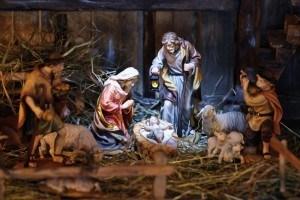 クリスマスツリー(L'albero di Natale)の飾りつけをするのはいつ?_f0172744_05053711.jpg