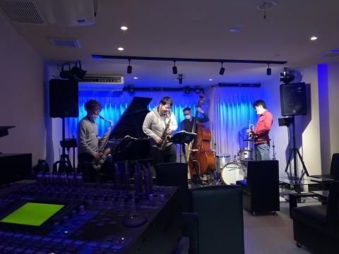 Jazzlive Cominジャズライブカミン 広島 明日7日月曜日の演目_b0115606_18434251.jpeg