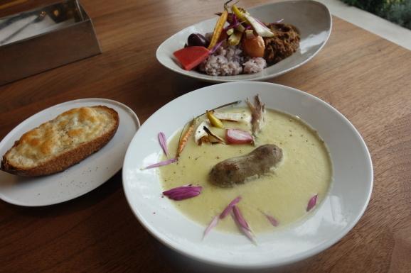qihoさんでスープランチ&チーズケーキ_e0230011_17163572.jpg