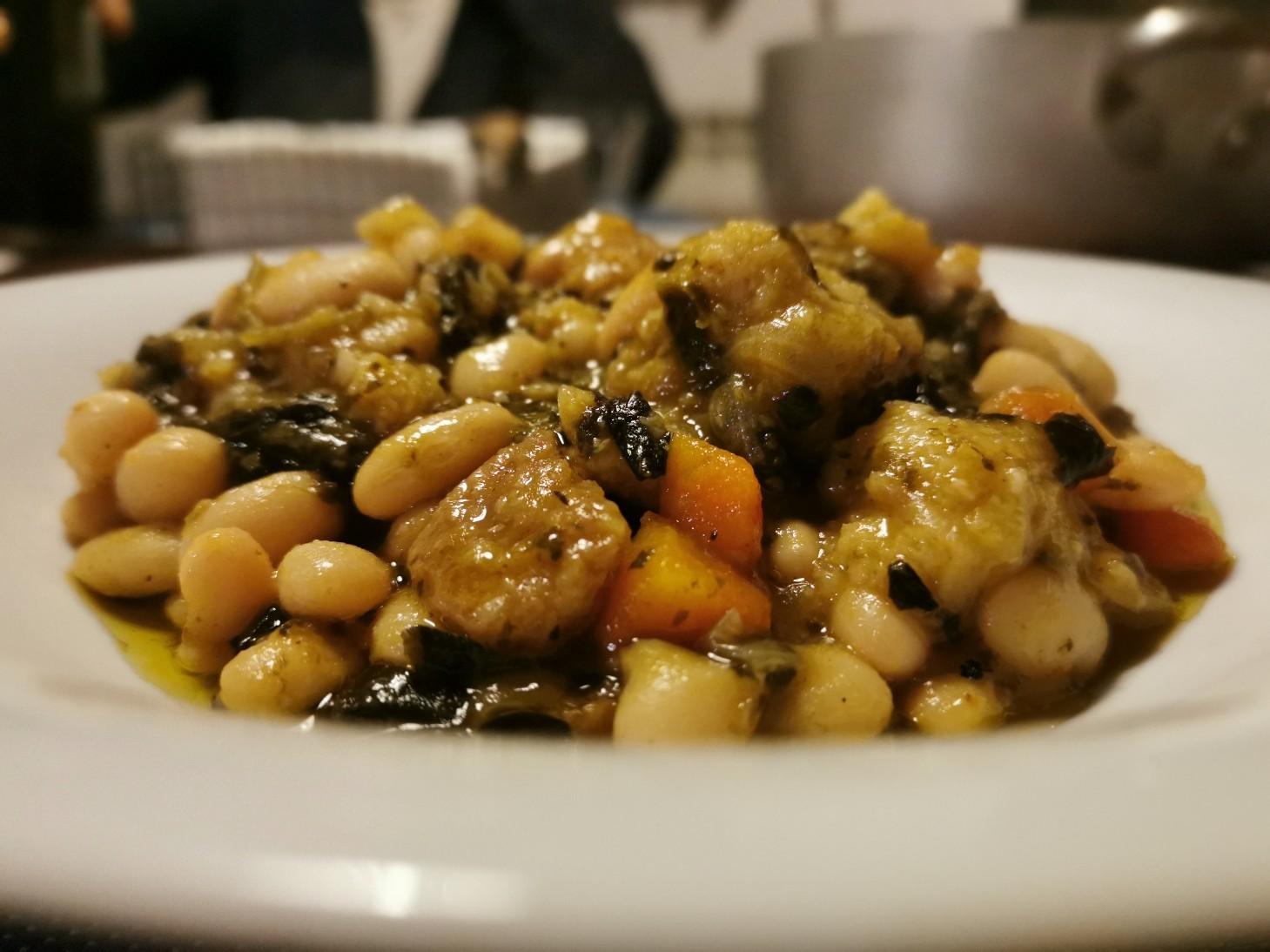 冬の定番料理はリボッリータ_f0106597_02191439.jpg