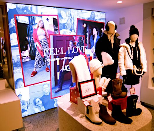 五番街にニューヨーク初となるUGG(アグ)の旗艦店がオープン_b0007805_08170469.jpg