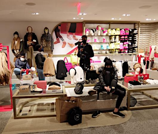 五番街にニューヨーク初となるUGG(アグ)の旗艦店がオープン_b0007805_08184137.jpg
