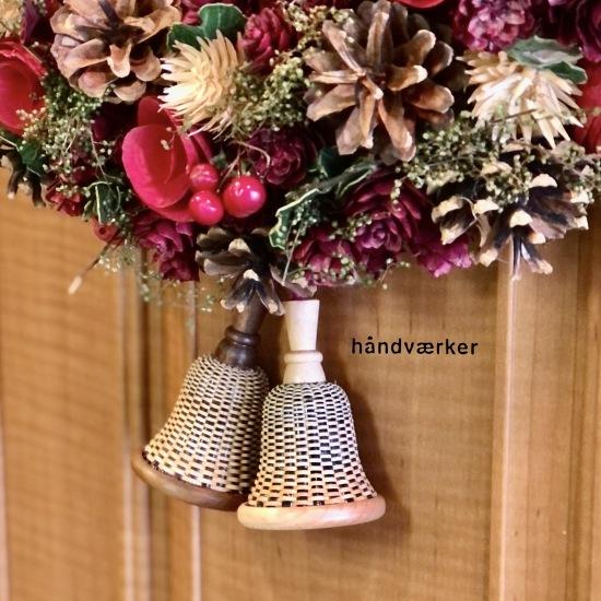 クリスマスリースとベルバスケット_f0197215_16264634.jpg