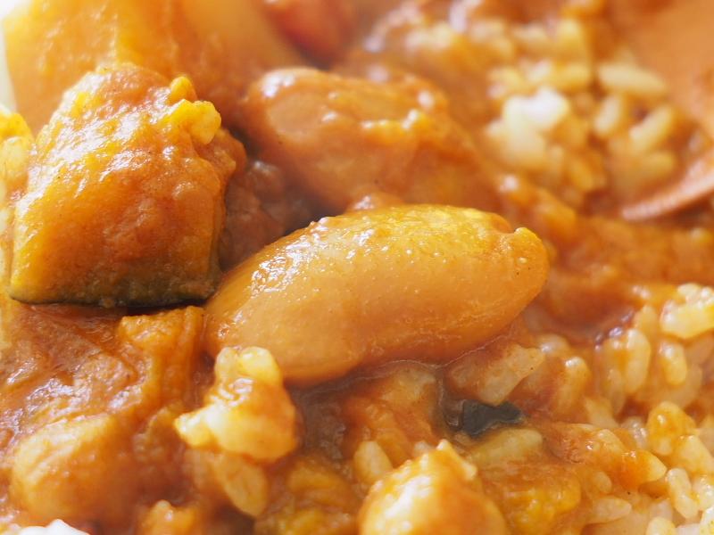 【レトルトカレー㉛】新宿中村屋 インドカリーベジタブル ~これが家で食べれるなんて_b0008655_00210947.jpg