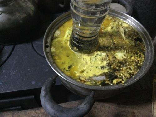 日本ミツバチ絶不調 ミツロウを精製_e0181260_07180411.jpeg