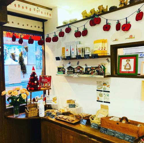 クッキー缶完売のお知らせとクリスマスケーキ_d0154707_11565967.jpeg