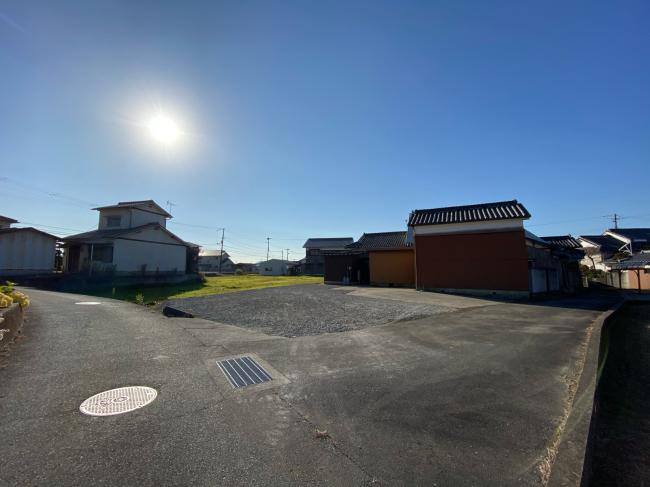 造成工事完了しました。駐車場が思ったより広く_f0115152_10080808.jpg