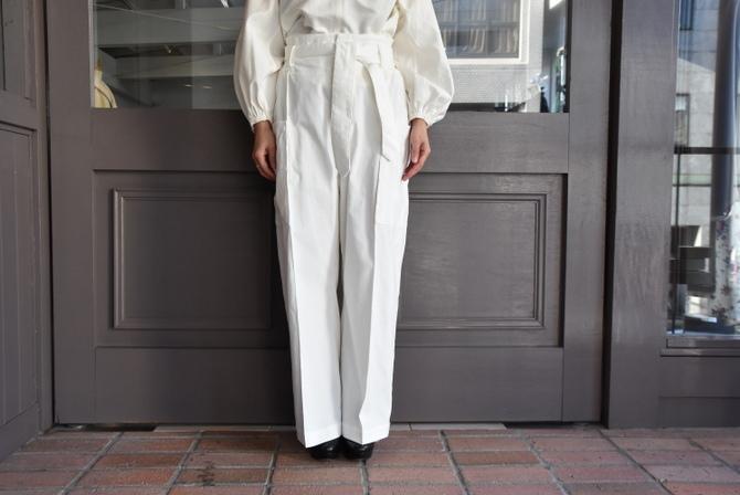 寒い季節にこそ着たい白いお洋服_e0127399_13280960.jpg