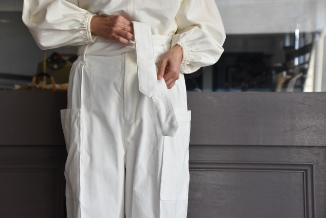 寒い季節にこそ着たい白いお洋服_e0127399_13283144.jpg