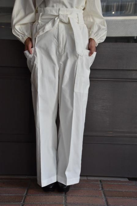 寒い季節にこそ着たい白いお洋服_e0127399_13290313.jpg