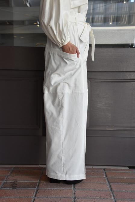 寒い季節にこそ着たい白いお洋服_e0127399_13292238.jpg